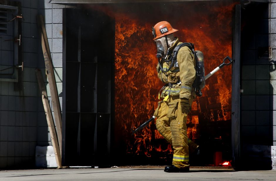 Fire causes damage to an apartment building in Koreatown