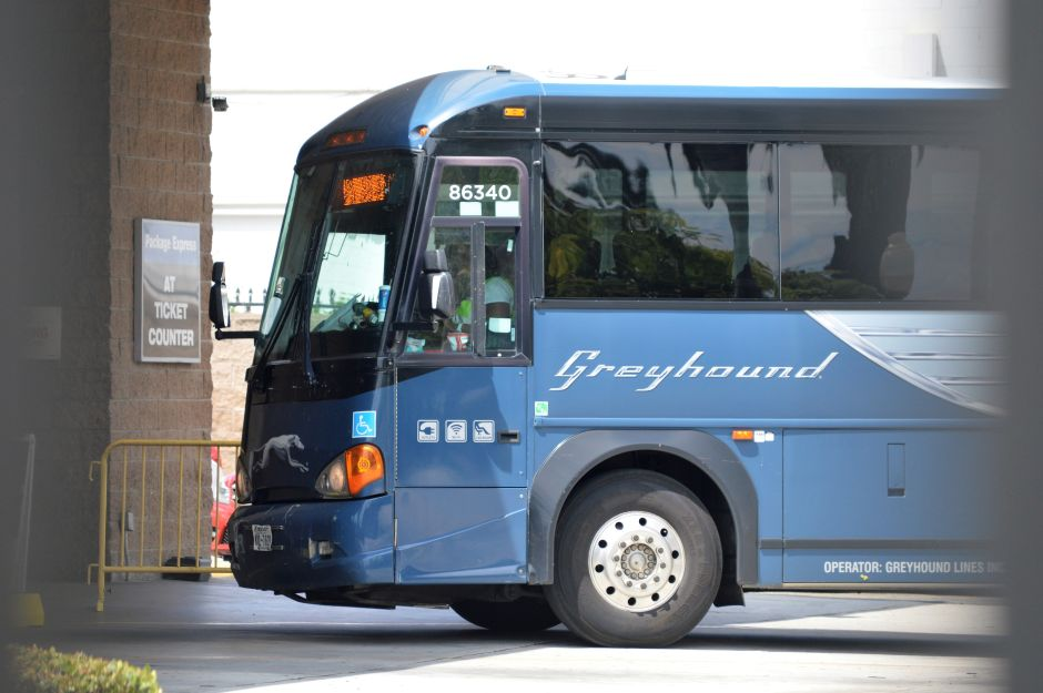 One dead and 5 injured by Greyhound bus shooting