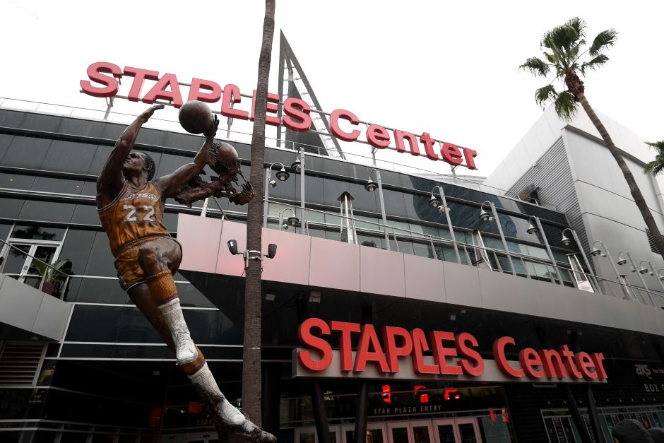 Lakers, Clippers, Kings and the Staples Center lend a hand to affected part-time employees