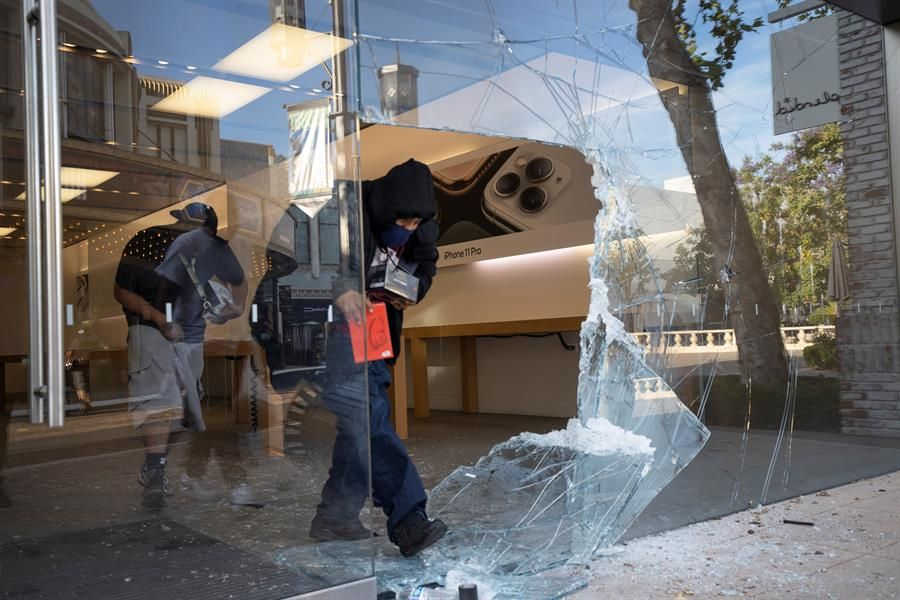 Los Angeles: Rodeo Drive and Melrose luxury stores are not spared looting