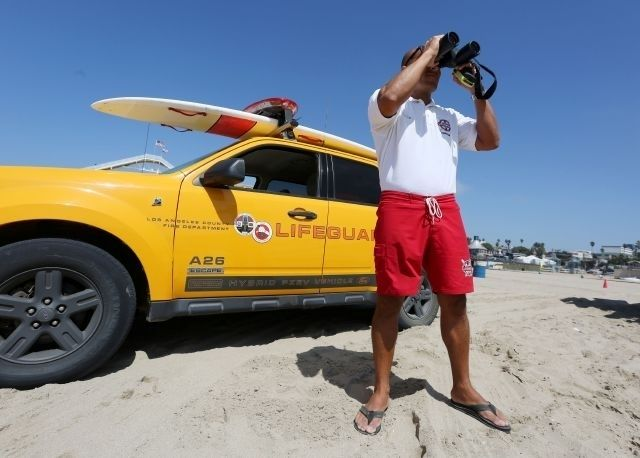 Los Angeles Lifeguard is awarded the Medal of Valor for rescue at Ranchos Palos Verdes
